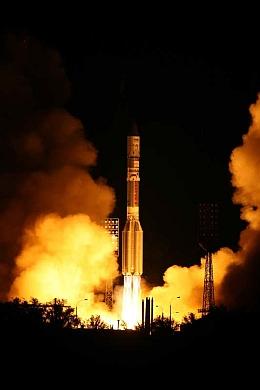 Proton-M-Start am 11. August 2009 (Bild: Roskosmos)