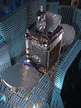 MEASAT-3a im Test bei OSC in Dulles (Bild: Orbital Sciences Corporation (OSC))