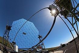 Auf der Kanareninsel La Palma forschen die Dortmunder Physikerinnen und Physiker an den MAGIC-Teleskopen (Bild: Dominik Elsässer/TU Dortmund)