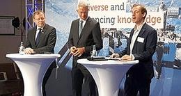 Fraport CEO Stefan Schulte (mitte) und ESA-Chef Jan Woerner (li.) beim Spacetalk, Moderator Bernhard L. von Weyhe (re.) (Bild: RN)