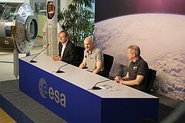 v. links: Wörner, Gerst, De Winne (Bild: A. Weise)