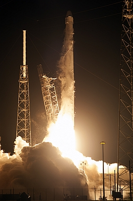 Start Dragon CRS-4 zur ISS (Bild: NASA KSC)