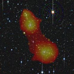 Kombination aus optischen und Röntgendaten von Abell 222 und 223. (Bild: ESA/XMM-Newton/EPIC/ESO (J. Dietrich)/SRON (N. Werner)/MPE (A. Finoguenov))