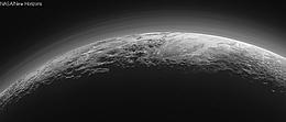 Hochauflösendes Bild der Nebelschichten in der Plutoatmosphäre, aufgenommen von der Raumsonde New Horizons am 14. Juli 2015. (Bild: NASA/JHUAPL/Schweiz)