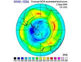 Die neueste Aufnahme von ENVISAT. in Dunkelblau ist das Ozonloch zu sehen. (Grafik: ESA)