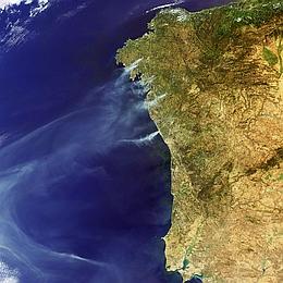 ENVISAT überwachte Waldbrände in Portugal und Spanien. (Foto: ESA)