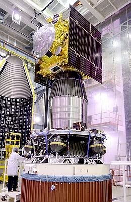 IRNSS 1F auf der Rakete (Bild: ISRO)
