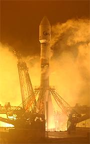 Start einer Sojus 2-1b mit dem Satelliten COROT