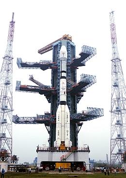 GSLV-F06 mit GSAT 5P auf der Startrampe (Bild: ISRO)