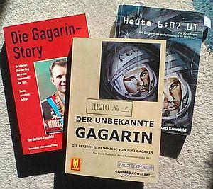 drei Werke über Gagarin - das aktuelle mittig (Bild: Andreas Weise)