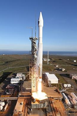 Atlas V startet mit DMSP F19 von der VAFB (Bild: ULA)