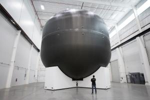 Kohlefasertank für flüssigen Sauerstoff (Bild: SpaceX)