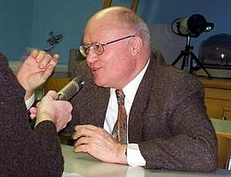 Prof. Gerhard Neukum im Gespräch mit Raumfahrer.net. (Foto: Marina Goldammer)