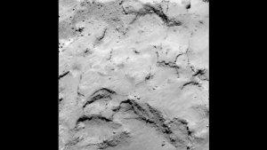 """Auch der letzte Kandidat - die Landestelle """"J"""" - ist auf dem 'Kopf' des Kometen angesiedelt und weist zudem große Ähnlichkeiten mit """"I"""" auf. (Bild: ESA, Rosetta, MPS for OSIRIS-Team MPS, UPD, LAM, IAA, SSO, INTA, UPM, DASP, IDA)"""