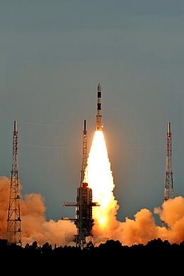 Start der PSLV-C17 mit GSAT 12 (Bild: ISRO)