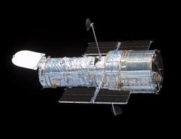 Das Weltraumteleskop Hubble nach Ende der Service-Mission 3B. (Foto: NASA)