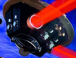 Ein LISA-Satellit: Die LISA-Mission besteht aus drei baugleichen Satelliten, die die Sonne in einer Dreieckskonfiguration umkreisen. Sie sind durch Laserstrahlen verbunden, die die Arme eines hochpräzisen Laserinterferometers bilden. (Bild: Max-Planck-Institut für Gravitationsphysik, Milde Marketing Wissenschaftskommunikation, exozet)