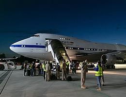 Nach langem Flug ist die Crew angekommen. (Bild: Jan Brandes/DLR/DSI/Lufthansa Technik)