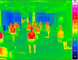 Wärmebild des Testraumes. (Bild: DLR (CC-BY 3.0))