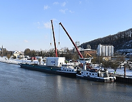Erster Transport per Schiff. (Bild: DLR)