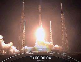 Falcon 9 Sekunden nach dem Abheben. (Bild: Webcast SpaceX)