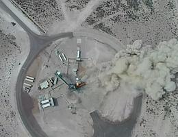 New Shepard hebt ab. (Bild: Webcast Blue Origin)