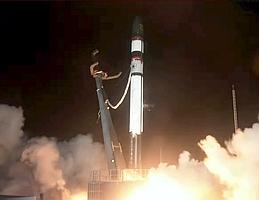Liftoff für die 20. Electron-Trägerrakete vom Startplatz in Neuseeland. (Bild: Webcast RocketLab)