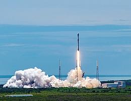 Liftoff für Falcon 9 mit dem nach Neil Armstrong benannten GPS-Satelliten an Bord, (Bild: SpaceX)