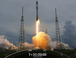 Start der Mission Transporter-2 auf einer Falcon-9-Rakete. (Bild: Webcast SpaceX)