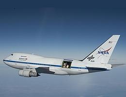 Fliegendes Infrarotobservatorium SOFIA (Bild: NASA/Jim Ross)