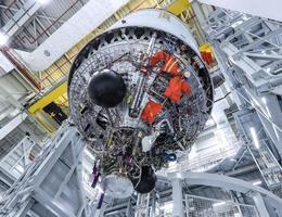 Die Ariane-6-Oberstufe in Bremen. (Bild: ArianeGroup / Frank T. Koch / Hill Media GmbH)